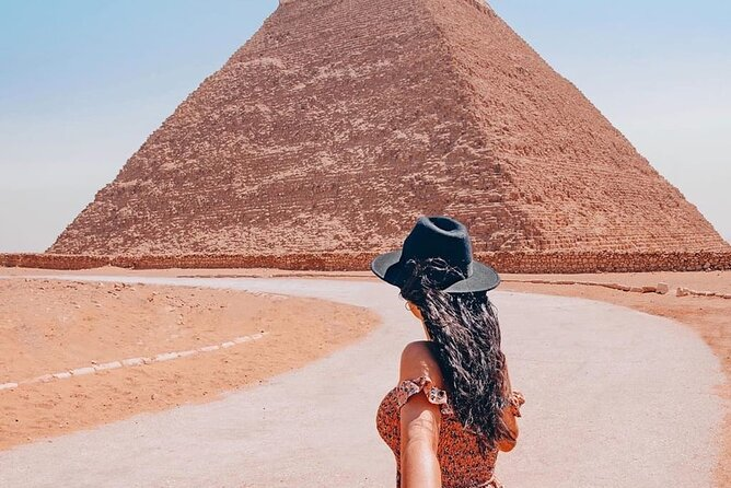 private tour,pyramids,Sphinxs,Egyptian Museum and Bazaar,Camel ride and lunch