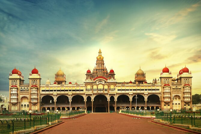 Best of Mysore (Guided Full Day City Sightseeing Tour by Car)