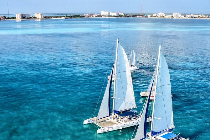 All Inclusive Sailing tour to Isla Mujeres with Snorkeling from Riviera Maya
