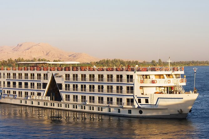 Nile cruise sailing from Aswan to luxor for 2 nights 3 days