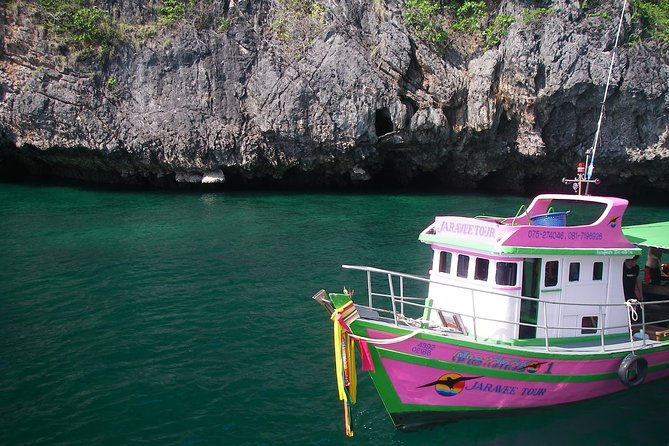 3 Islands Snorkel Tour to Emerald Cave by Big Boat from Trang