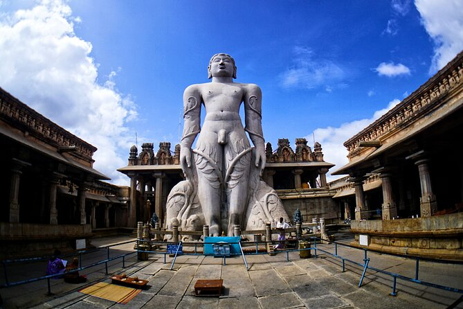 Day Trip to Srirangapatna & Shravanabelagola (Guided Sightseeing Tour by Car)