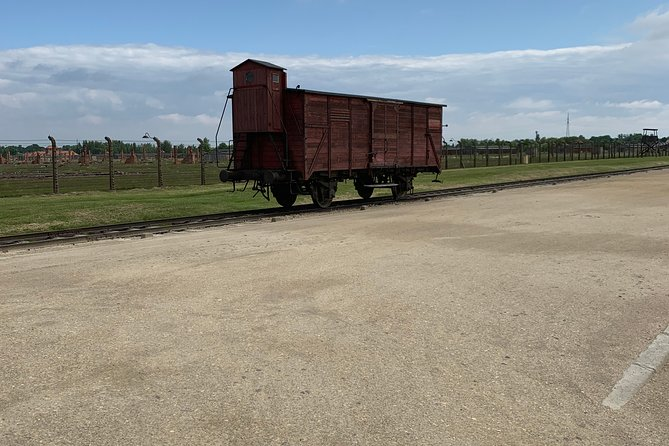 1 Day Trip Auschwitz-Birkenau Memorial and Museum Guided Tour from Krakow