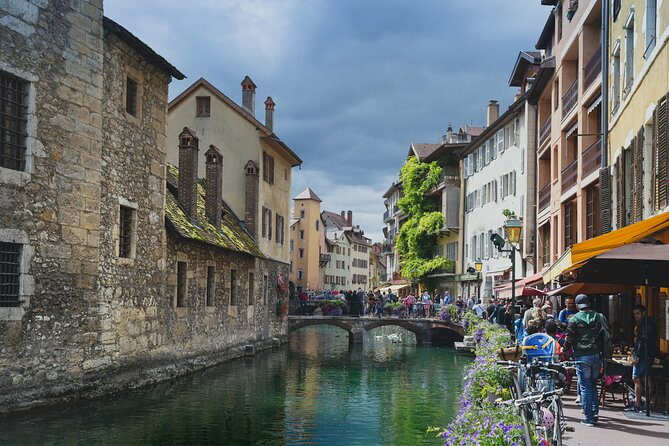 Touristic highlights of Annecy on a Half Day (4 Hours) Private Tour with a local