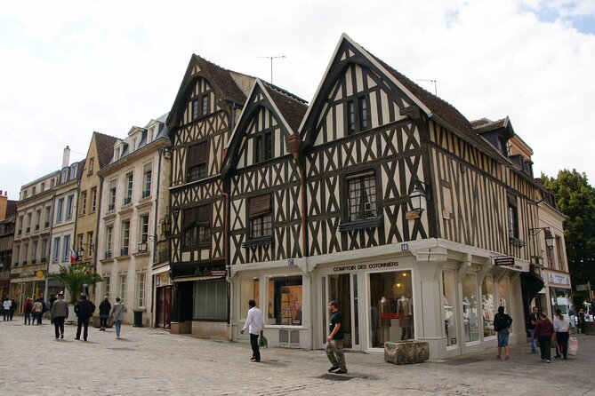 Touristic highlights of Auxerre a Private half day tour (4 Hours) with a local