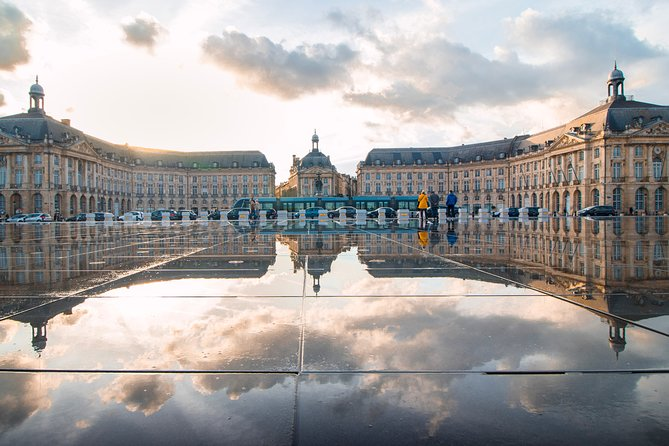 Touristic highlights of Bordeaux a Private half day tour with a local