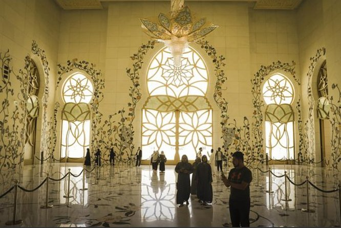Half Day Tour Abu Dhabi , Sheikh Zayed Mosque from Dubai