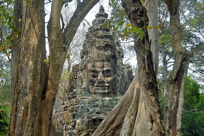 Guided Private A/C vehicle Tour Angkor Wat and Small Circle and Five Extras