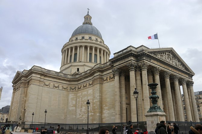 Fascinating Architecture of Paris on Private Tour with a local