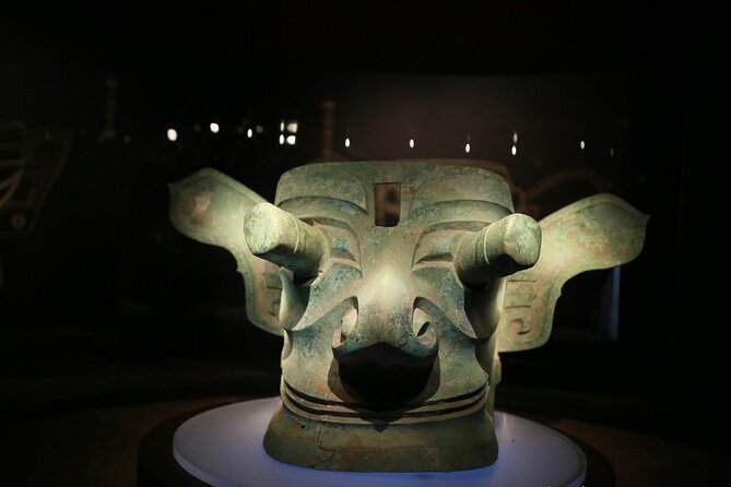 Private Day Tour to Panda Base and Sanxingdui Museum from Chengdu