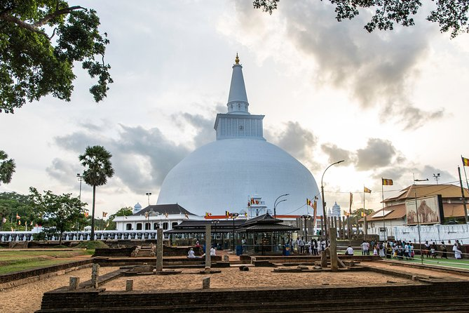 Private Day Excursion to Anuradhapura & Mihintale
