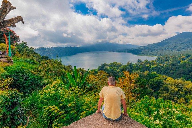 Private Bali Trekking: Twin Lakes, Handara Gate & Ulun Danu Bratan – Full Day