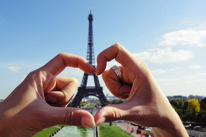 The romantic side of Paris (Fall in love again) - Private tour with a local