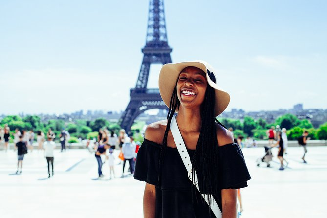 Backpacker's Private Tour of Paris - Experience best of everything with a local