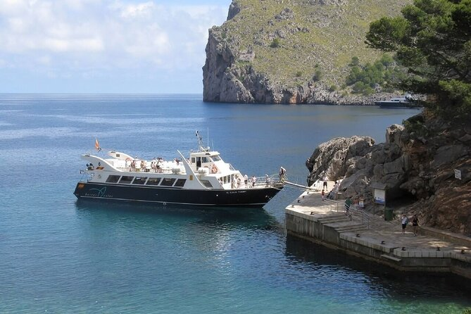 Luxurious yacht tour in Mediterranean ;Solo;Couple;Group