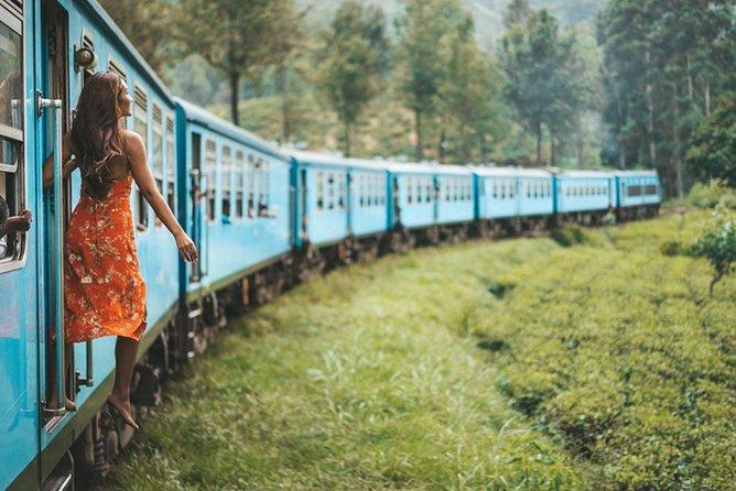 "Ella to Nanu Oya train ride on (Train No: 1006 ""Podi Menike"")"