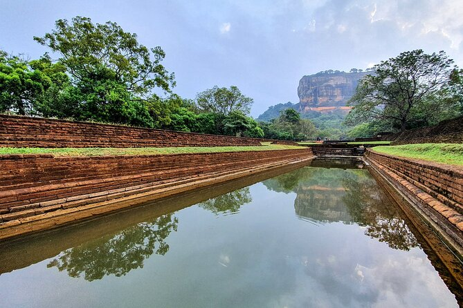 Private Day Trip to Sigiriya Rock & Dambulla Cave Temples