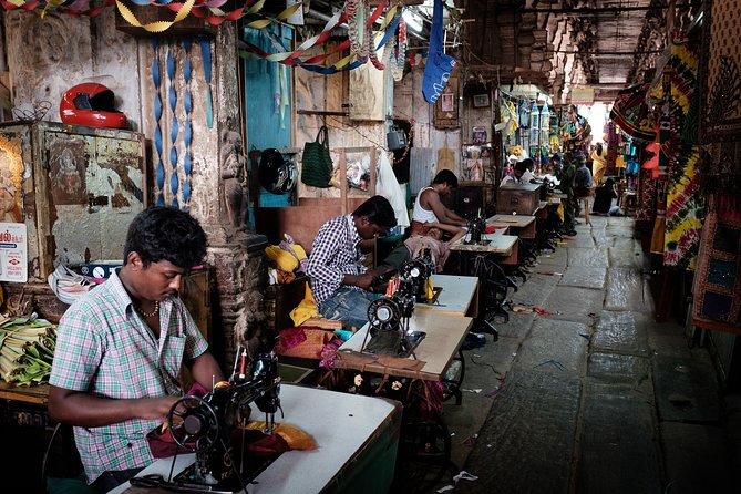 Vibrant Markets of Madurai(2 Hours Guided Walking Tour)