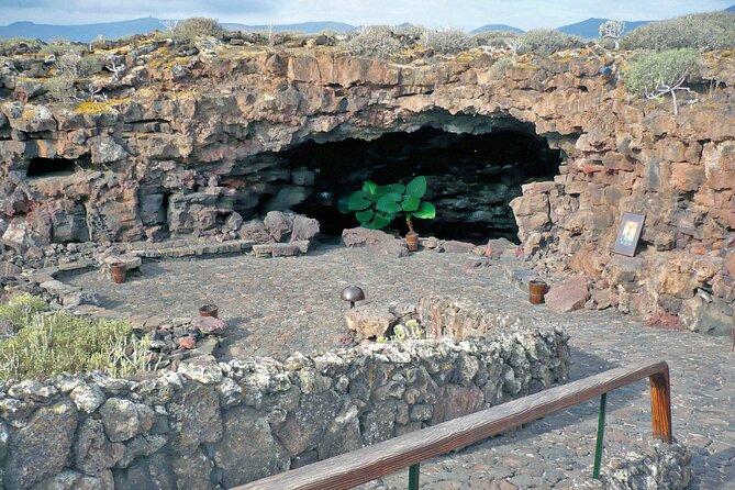Private 4-hour Tour of Jameos del Agua and Cueva de los Verdes in Lanzarote