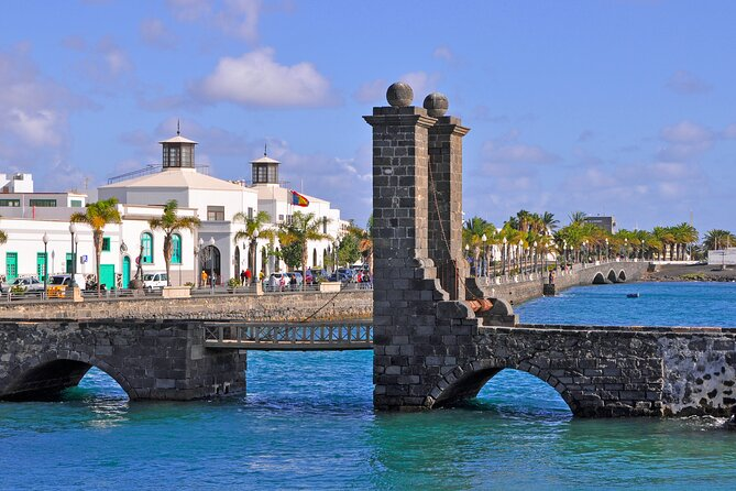 Private Day Tour of the Best of Lanzarote Island w/ Hotel or Cruise Port pick-up
