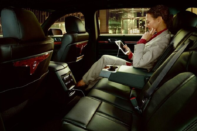 Luxury Transfer from New Orleans International Airport to Downtown Hotels