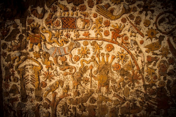Tour to the Sun and Moon Temples and Huacas de Moche Museum