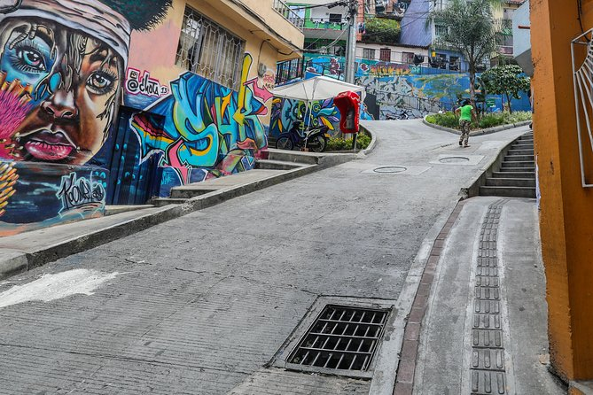 Graffiti Experience at Comuna 13 in Medellin