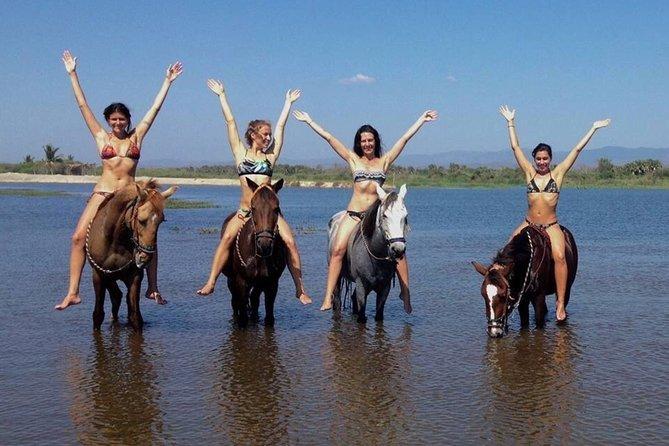 Beach Horseback Riding Excursion (3 hours) in Mazunte, La Ventanilla