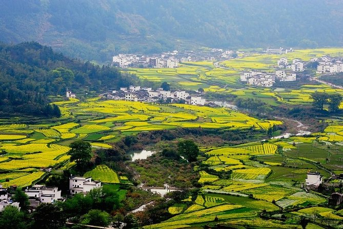 Wuyuan Scenic Area Private Transfer from Huangshan City
