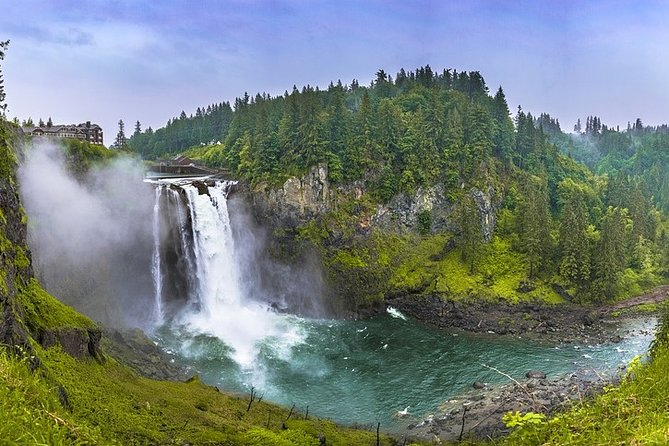Private 5-hour City Tour of Seattle and Snoqualmie Falls with driver and guide