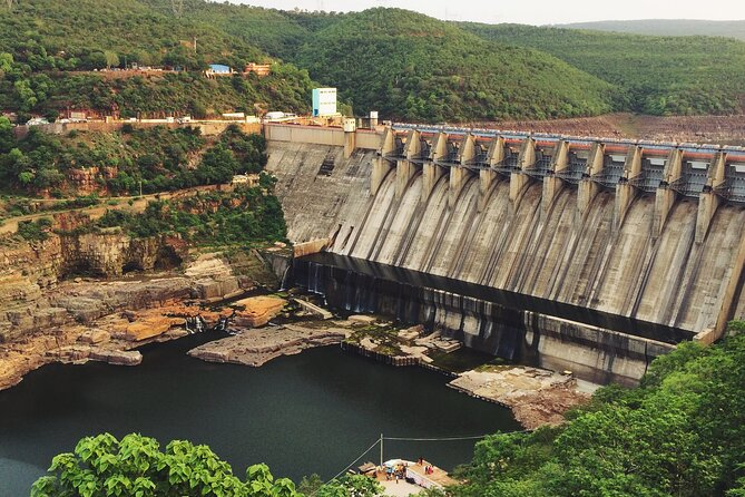 Day Trip to Srisailam (Guided Private Experience by Car from Hyderabad)