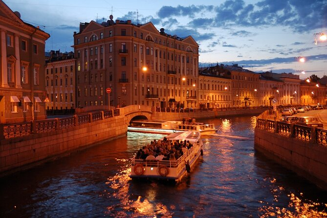 St. Petersburg Boat Trip with a Guide