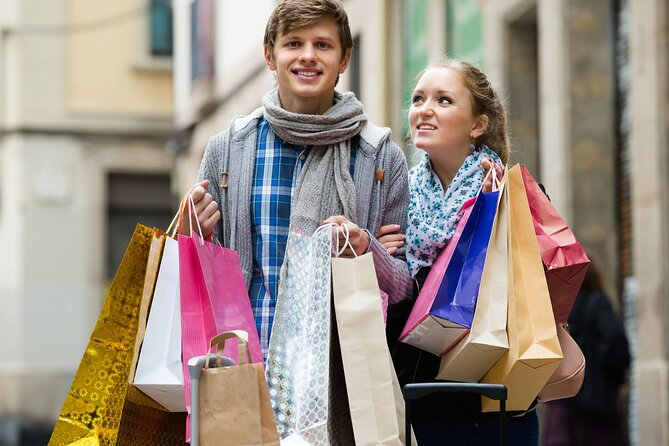 Hyderabad Shopping and Food Tasting Experience (Guided Halfday City Tour by Car)
