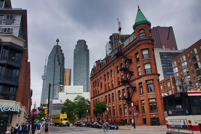 Private 3-hour walking tour of Toronto with licensed tour guide