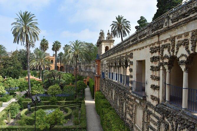 Seville Santa Cruz walking tour- by OhMyGoodGuide