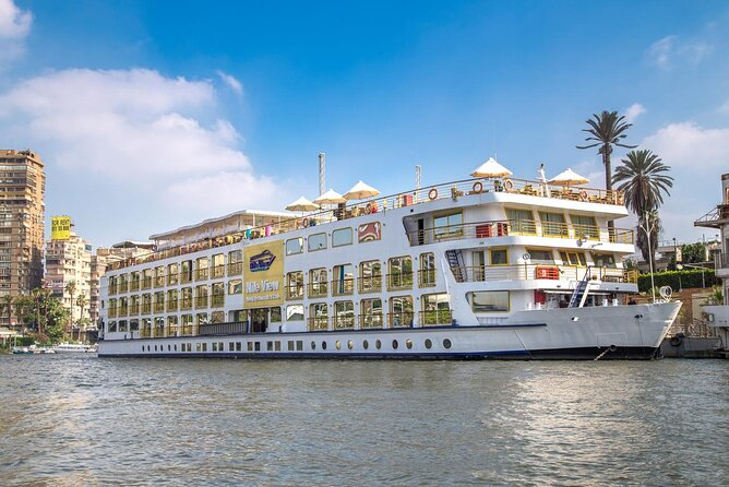 Sailing Nile cruise from Luxor to aswan for 2 nights