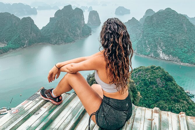 Ha Long Bay Instagram Tour: Most Famous Spots (Private & All-Inclusive)