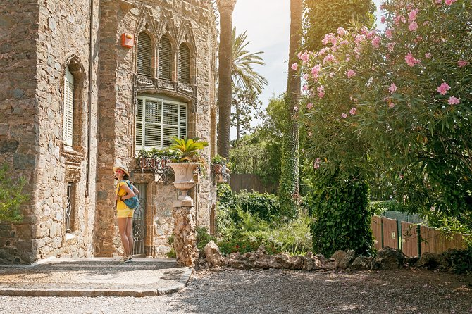 Gaudi Unexpected -Private Tour Colonia Guell & Casa Vicens Skip-the-line tickets