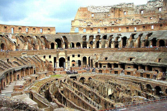 Skip the Line at Colosseum on a Small Group Guided Tour with Top Rated Guide
