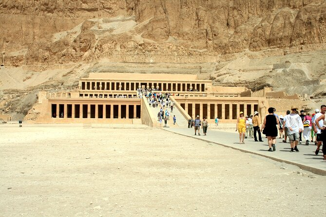 3 Days - Luxor East and West Banks Tour & Overnight SLEEPER Train From Cairo