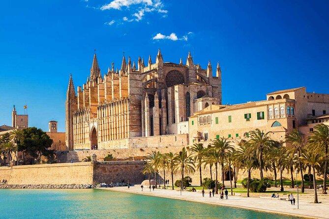 Departure Private Transfers : Palma to Mallorca Airport PMI in Luxury Car