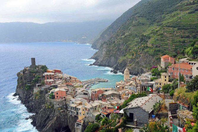 Private Tour of Cinque Terre's Wine tasting with a local