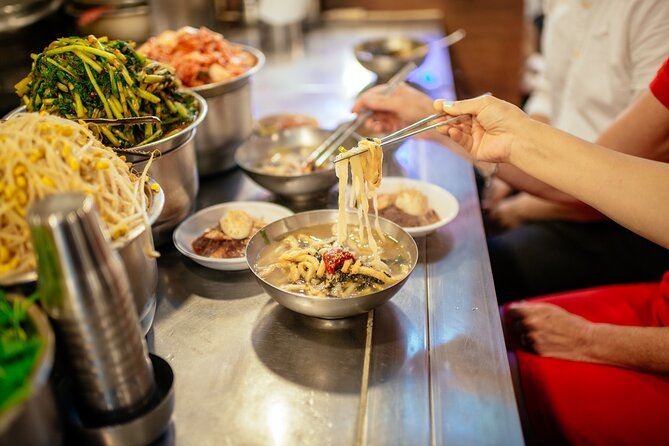 Local Flavors of Seoul at Night: Street Food Tour