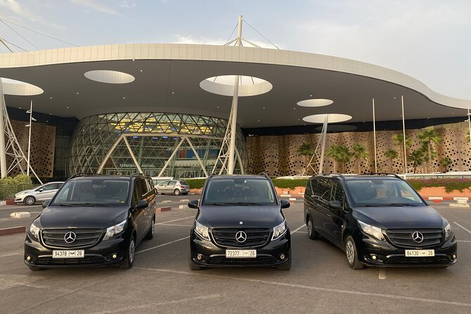 Private Airport Transfer: Menara Airport (RAK) to Marrakech
