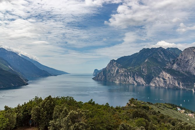 Private Day Trip to Lake Garda from Venice with a local