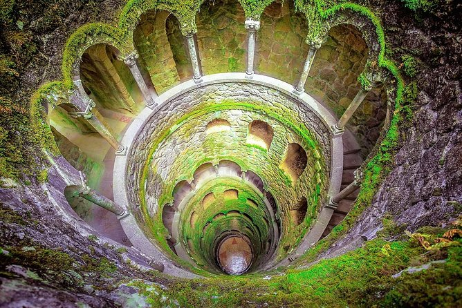 Discover SINTRA`s hidden gems on our walking tour