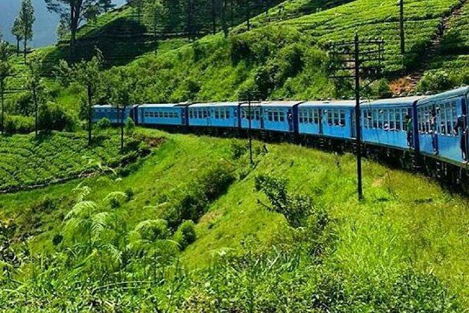 """Colombo to Ella train ride on (Train No: 1005 """"Podi Menike"""")"""