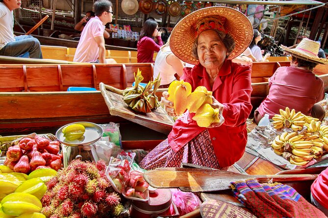 Damnoen Saduak Floating Market Private Tour with English Guide