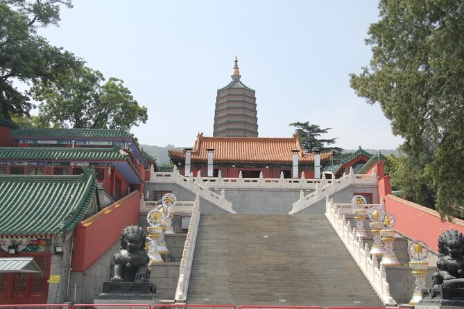 Buddhist Temples Visiting Tour in Badachu Park