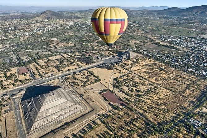 Private Tour: Teotihuacan Pyramids Hot Air Balloon Ride
